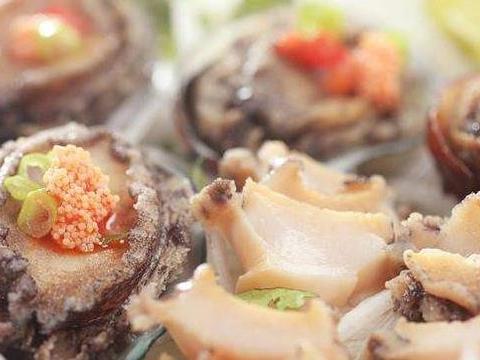 """看到迪拜人吃海鲜的场面后,才知道什么叫""""真土豪"""""""