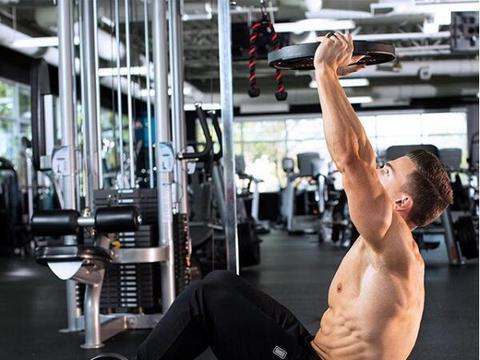 想要增加手臂维度?迸发手臂应有的力量之美,壮大你的肱二头肌