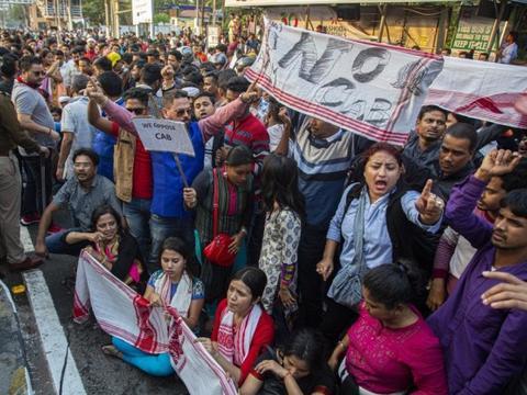 抗议者集会反对公民法案进入第二天,美国插嘴印度内政遭驳斥