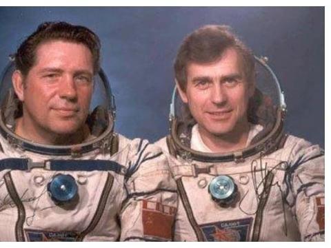 史上最心酸宇航员,人还在太空祖国没了,被遗忘在宇宙中近一年