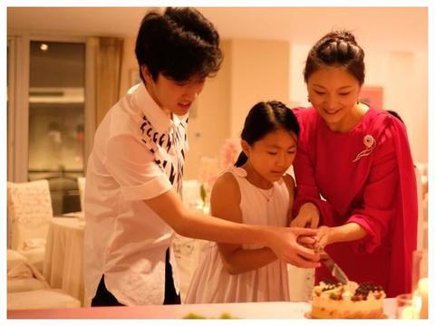 张艺谋娇妻陈婷过36岁生日,儿女陪伴,超幸福