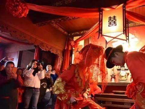 民俗文化月 来篁岭邂逅一场穿越千年的徽州古婚礼