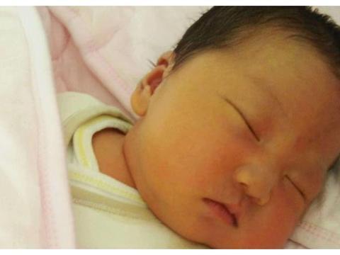 新生儿出生没黄疸,多半是孕妈在孕期做了3件事,对大人孩子都好
