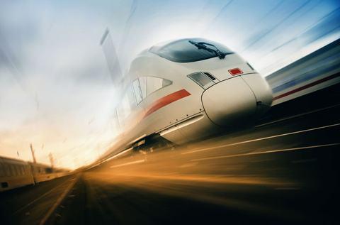 高铁为何一直在亏损?看完高铁的耗电量,才知道有多严重