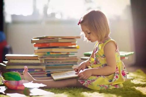 亲子共读的正确打开方式,抓住阅读关键期,爸妈这样启蒙就能成功