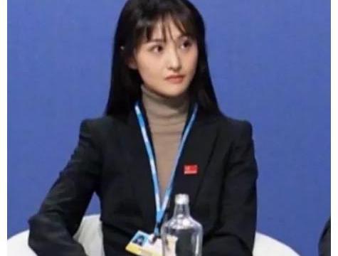 郑爽联合国发言,意外暴露真实长相,张恒的眼光太毒了!
