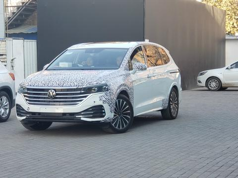 或于明年北京车展上市 上汽大众全新MPV Viloran路试谍照图曝光