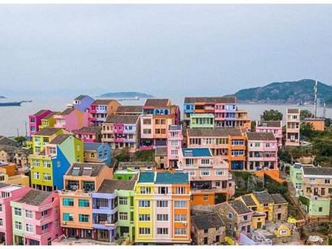 我国最特别的小渔村,被涂上七彩颜色,已成为网红打卡地