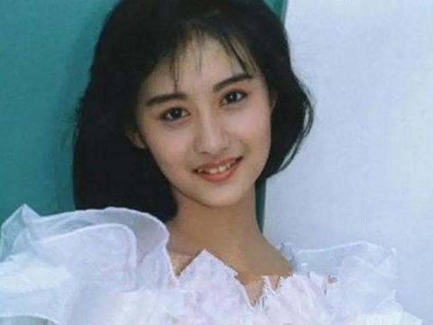 最美的琼瑶女郎,马景涛最佳搭档,37岁嫁入豪门,8年不生孩子