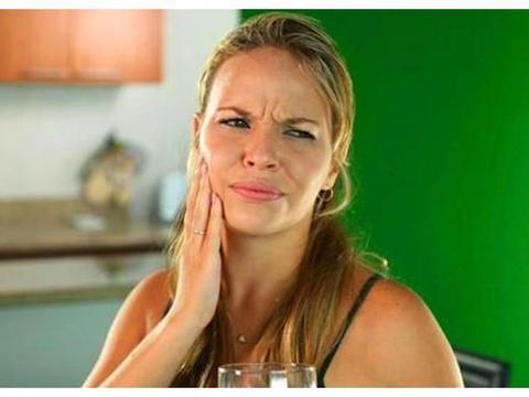 孕妇牙疼影响胎儿健康,除了拔牙,平时口腔护理更重要