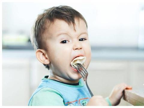 跪求4种儿童食品下架!它们对你的孩子健康,真没太多的好处