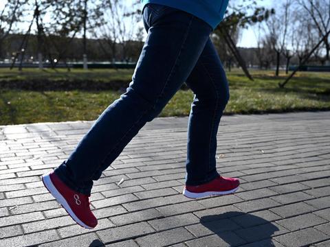 回弹有力,全程守护,咕咚智能跑鞋42K体验