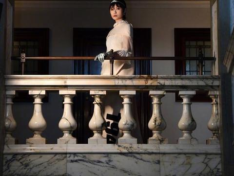 又被李宇春惊艳了!英国时装大奖的首位大使,又仙又飒的冷艳公主
