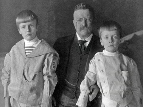 中国大熊猫遭外国人疯狂猎杀,美国总统罗斯福的儿子是猎杀第一人