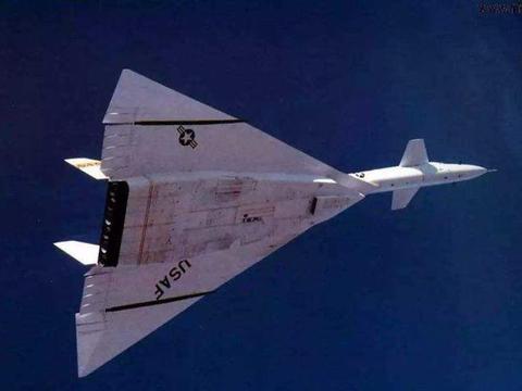 3倍音速超高战略轰炸机,导弹都追不上,到头来却黯然离场