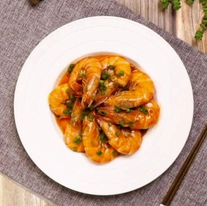 教你做红焖大虾,色香味俱全,可跟饭店一比高低!