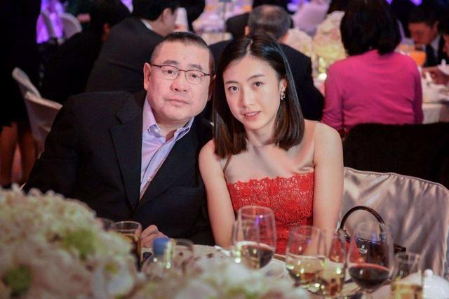 与刘銮雄相恋6年,得到1.6亿元房产,蔡少芬为什么选择嫁给张晋?