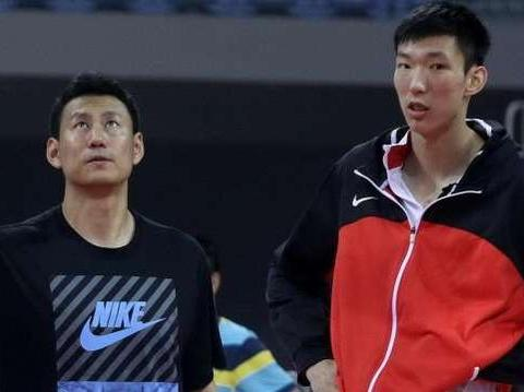 放弃篮协安排自谋出路,李楠新工作略显心酸,17岁儿子比他还高