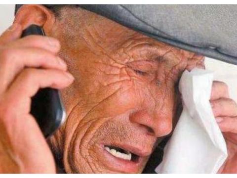 7旬老人被送养老院,含泪告诉身边人,生男生女真的不一样