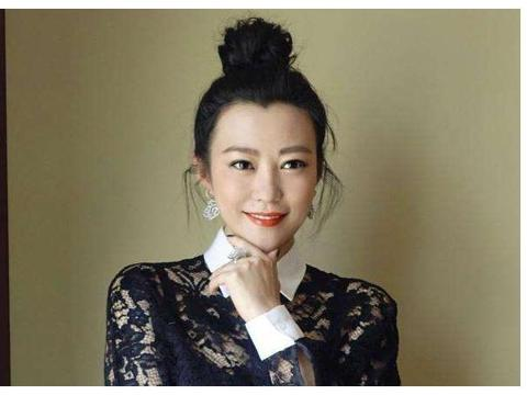 邓超前女友,李光洁前妻,二婚嫁给刘烨,如今家庭幸福