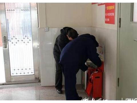 东营区教育系统联合检查组到胜利六中进行安全检查