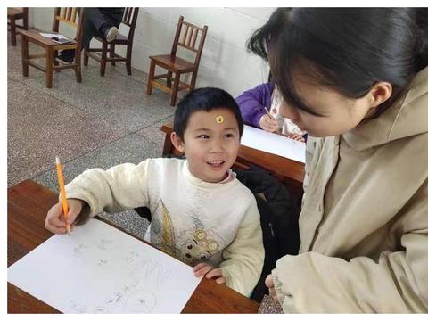 武陵源区第二中学送教下村 助推乡村教育均衡发展