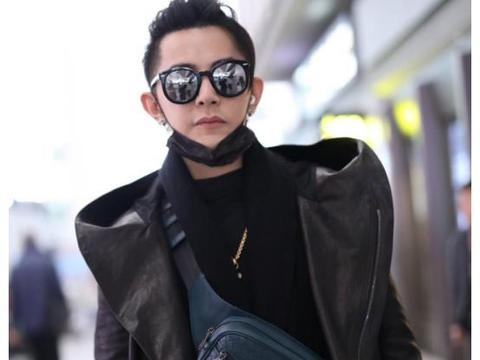三十多岁的男人应该怎么穿?建议看看汪东城,一款皮衣时尚又帅气
