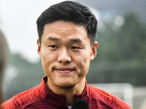 """""""记者:李昂因伤将缺席与韩国队的比赛"""""""