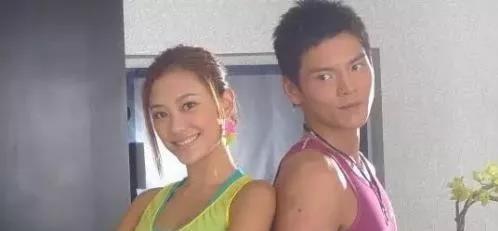 陈岚曾看中应采儿,最终向佐娶了郭碧婷,应采儿嫁给了陈小春