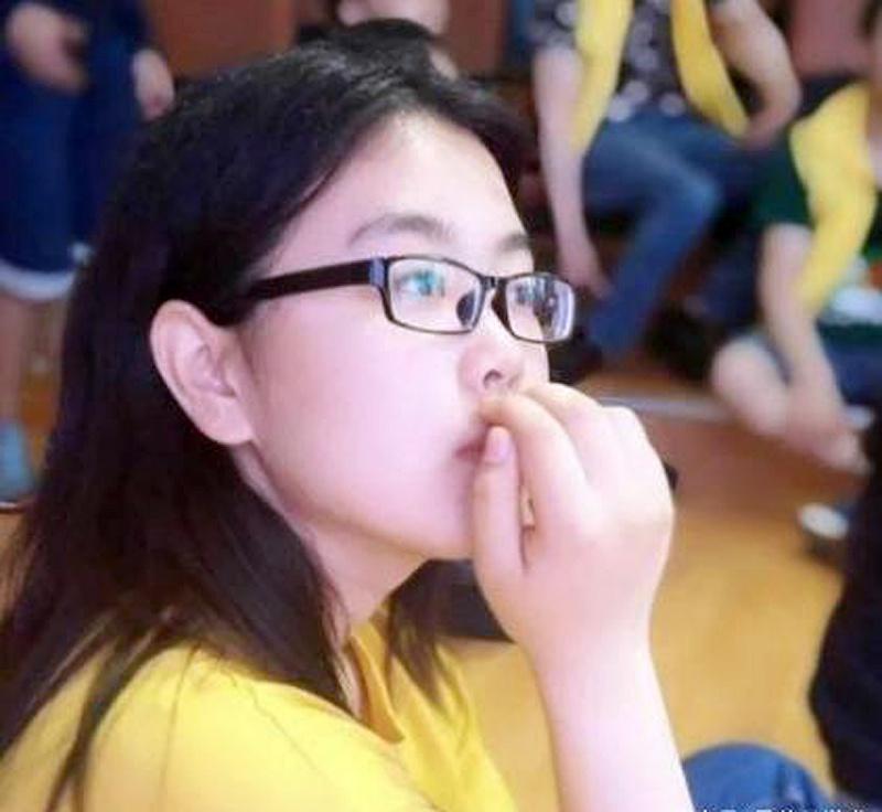 文艺女青年王琢: 15岁进电子科大、18岁保研北大,优秀源于妈妈