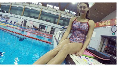 23岁游泳女神刘湘,长着明星脸,绯闻男友很强壮,还是泳界一哥