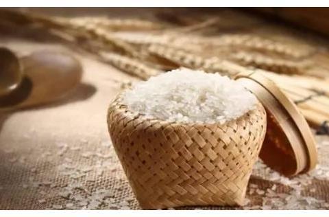 同样都吃大米,中国为什么不像日本一样吃饭团?原因太过真实