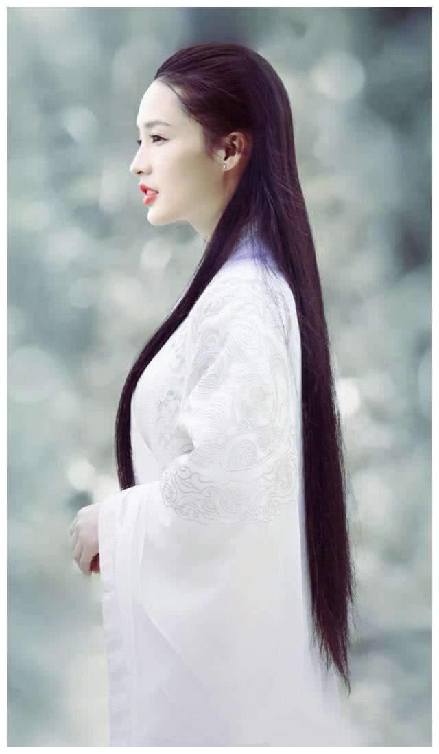 原来李沁才是小龙女最佳人选,当试妆照流出,真美