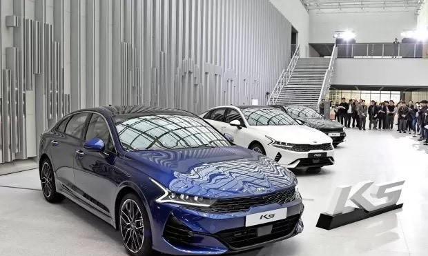 起亚换代K5韩国发布,预计2020年国产