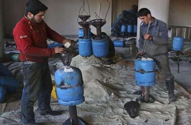 1个煤气罐等于3000手榴弹?叙利亚煤气罐齐射,200敌军被全灭