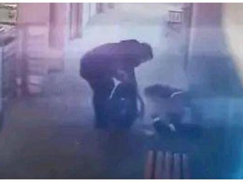 未成年人的崩溃瞬间,郑州初三学生公交站晕倒,还念叨:我有考试