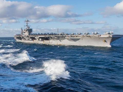 美核航母穿越海峡,全速直扑俄海军基地,目标不是伊朗?