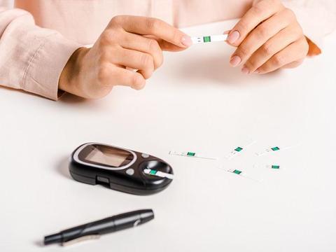糖尿病患者慎重选择无糖食品