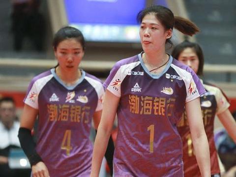 李盈莹砍21分天津女排横扫辽宁 提前一轮获得小组头名 晋级四强