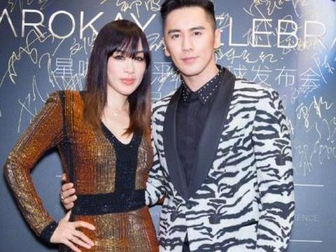 """47岁钟丽缇在节目中与张伦硕又亲又抱,虐哭无数""""单身汪"""""""