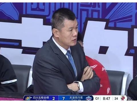CBA:天津队差点掀翻深圳,刘铁上岗球队有了力量