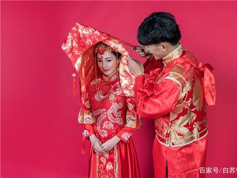 结婚当天,看着一门的二维码,我脑壳疼:到底是结婚还是胡闹!