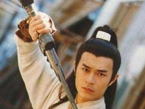 《神雕侠侣》五个版本玄铁重剑对比,刘德华版敷衍,任贤齐版最丑