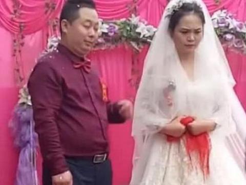 新娘结婚当天全程黑脸不耐烦,网友:心疼新郎180秒