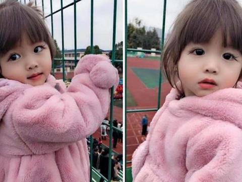 2岁萌娃因5cm长睫毛走红,睁眼瞬间,网友:又想骗我生女儿?