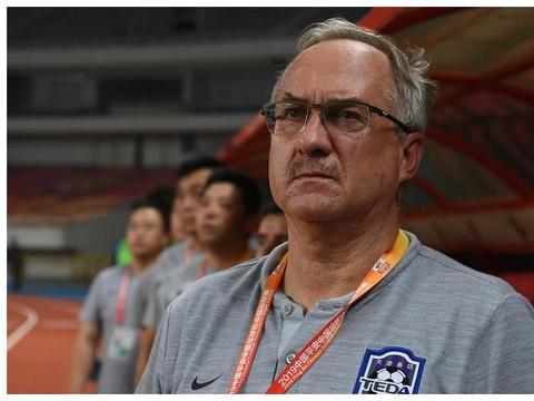 续约主帅泰达走出新赛季备战第一步,引援绝不能重走北京人和老路