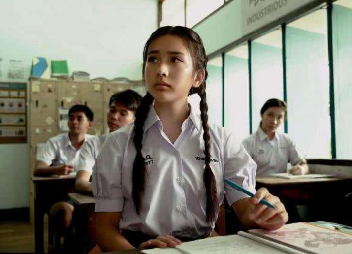 影后陈冲17岁女儿引争议?被母亲力捧当主演,中文口音却像外国人