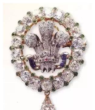 威尔士亲王羽毛胸针,连戴安娜王妃都无法抵挡它的魅力