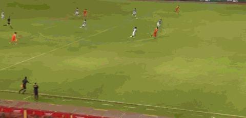 国奥队半场2-0领先,郝伟点赞陈彬彬,张玉宁带伤上阵星光闪耀