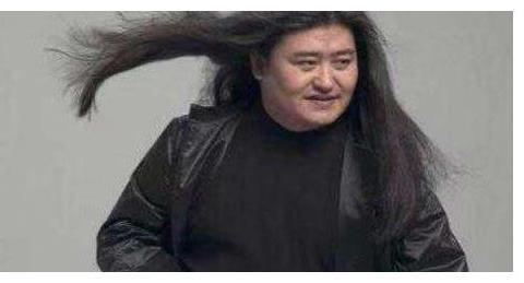 54岁刘欢的妻子近照,原来长这般模样,至今没有公开